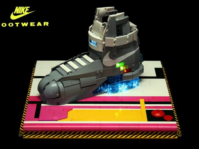 """¿No te llega para comprarte unas zapatillas Nike de las que salían en """" Regreso al futuro""""?"""