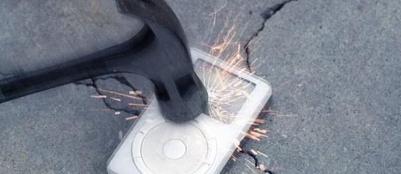 ipod-smash-4e8352b-intro-thumb-640xauto-26030