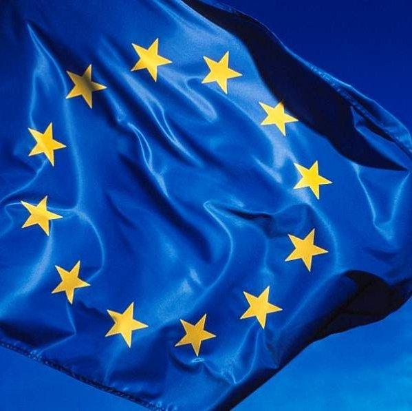 La UE quiere abaratar un 30% el despliegue de redes de banda ancha