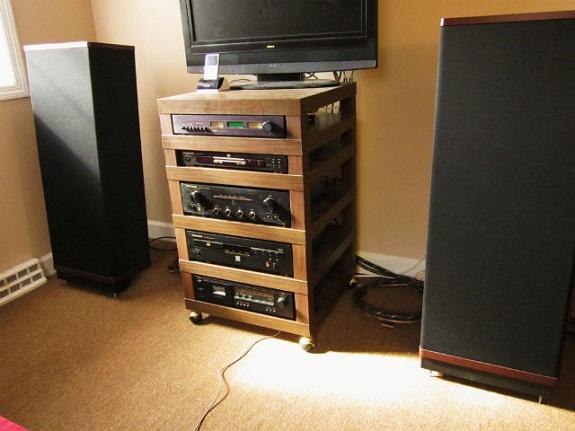 C mo hacer tu mueble hifi a medida con mesas lack de ikea - Muebles para equipos de musica ...