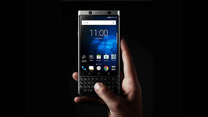 3-blackberry_keyone